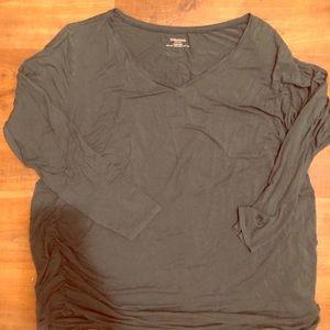 Green 3x motherhood maternity shirt, very used